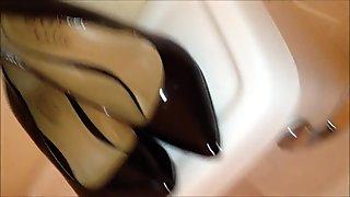 Cumming on Black High Heels 5