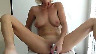 Horny Milf with Nice body