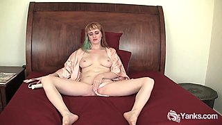 Busty Daphne Vibrating Her Pierced Twat